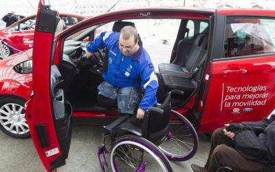 ¿Una aseguradora puede negarse a asegurar el coche de una persona con discapacidad?